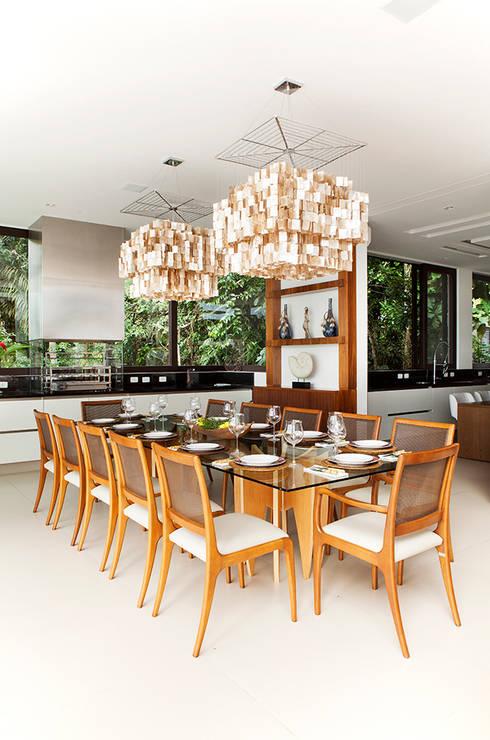 Sala de Jantar : Salas de jantar modernas por Infinity Spaces