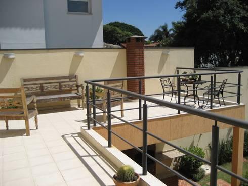 Varanda: Terraços  por Projetual Arquitetura