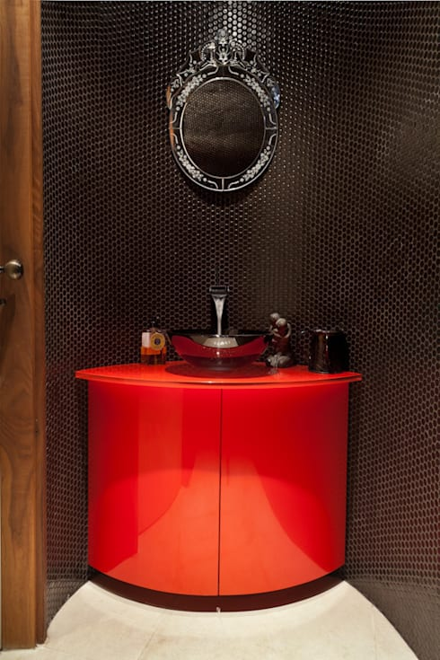Hampstead P1, NW3 :  Bathroom by XUL Architecture