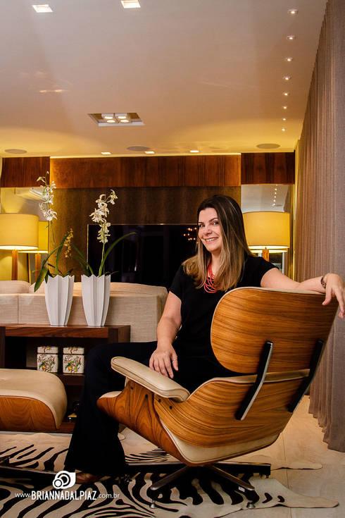 Living - G A: Sala de estar  por Carolina Fagundes - Arquitetura e Interiores