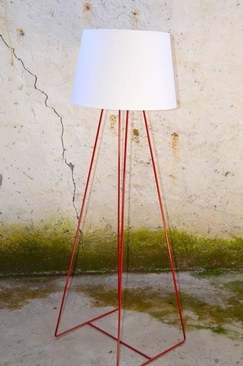 LIGHT LAMP: Casa in stile  di antoniolaidesign