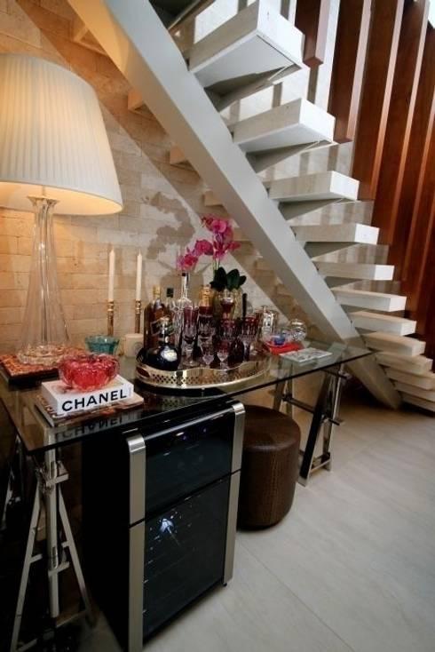 Bodegas de estilo  de Carolina Fagundes - Arquitetura e Interiores