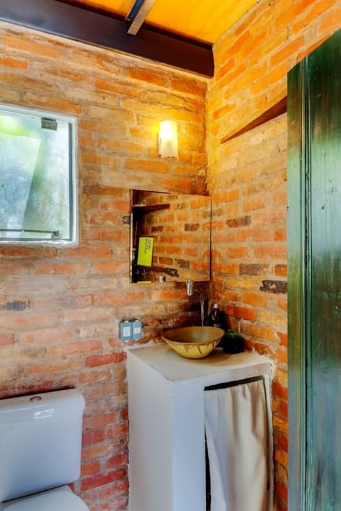 Bathroom by Ferraro Habitat