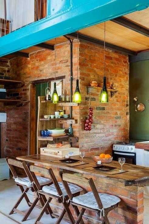 Casa ReFit: Cozinhas rústicas por Ferraro Habitat