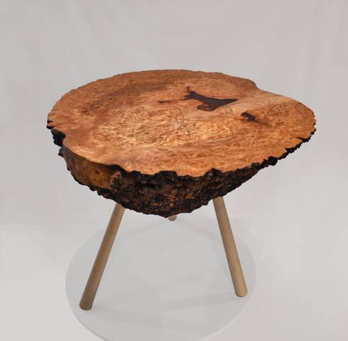 Burr Elm Coffee Table: rustic Living room by Clachan Wood