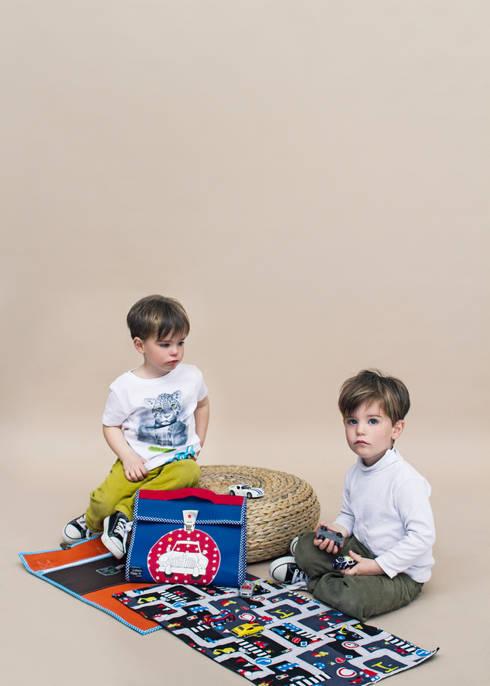 Habitaciones infantiles de estilo  por Lulu Farfelue