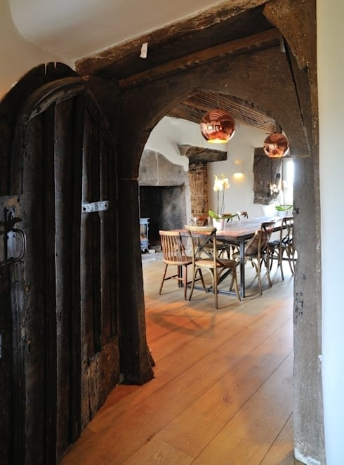 Coldbrook Farm, Monmouthshire: country Dining room by Hall + Bednarczyk Architects
