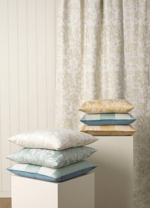 Soggiorno in stile  di Marvic Textiles Ltd