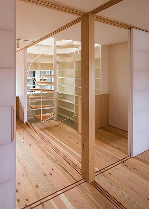 3階 多目的室: 河合建築デザイン事務所が手掛けた和室です。
