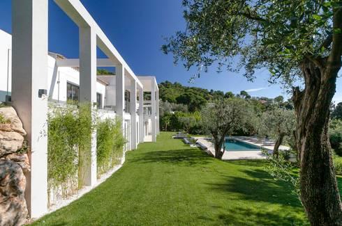 South of france di urban cape interiors homify for Planimetrie delle case in stile cape cod