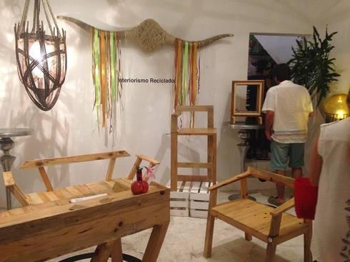 exposición en galeria mann made mexico: Hogar de estilo  por INTERIORISMORECICLADO