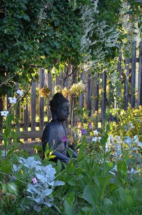 Ogród rustykalny: styl , w kategorii  zaprojektowany przez Projekt M