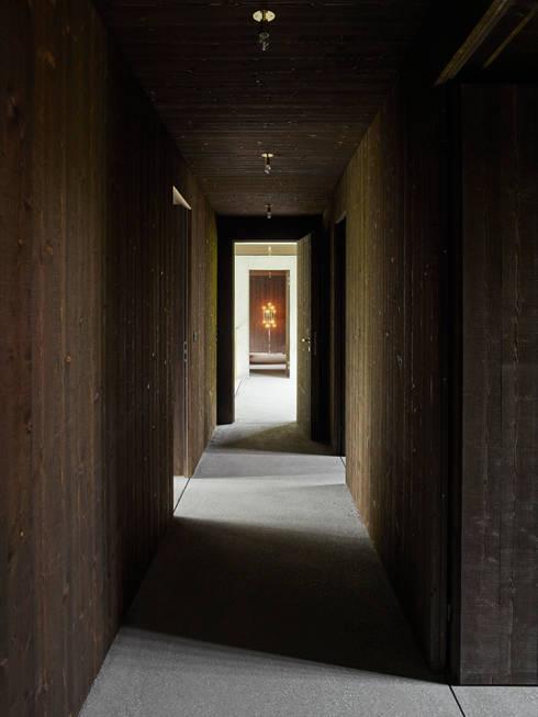 Korridor Obergeschoss:  Flur & Diele von :mlzd