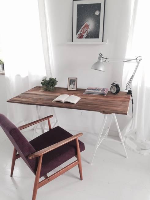 Biurka: styl , w kategorii Domowe biuro i gabinet zaprojektowany przez Wichaister