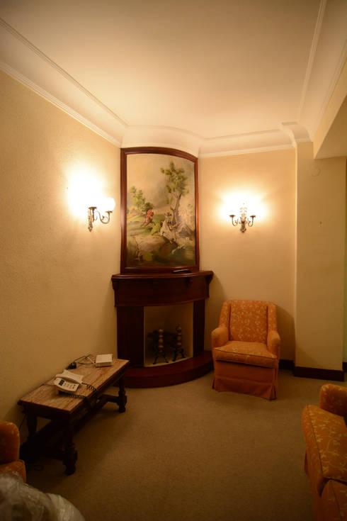 Corridor & hallway by Apal Estudio