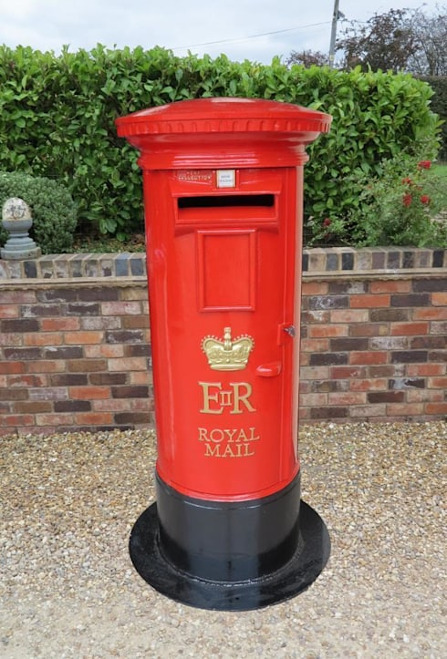 Royal Mail ER Cast Iron Floor Mounted Pillar Box :  Garden  by UK Architectural Antiques