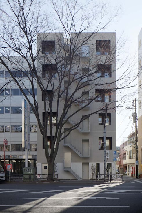 ケヤキと共生: トレス建築事務所が手掛けた家です。