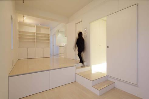 スキップフロアのある部屋: トレス建築事務所が手掛けた和室です。