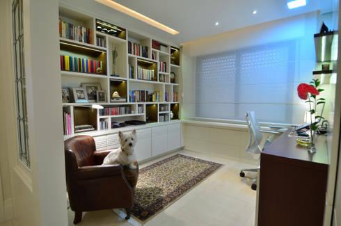 Modernizando apartamento : Escritórios  por Tania Bertolucci  de Souza  |  Arquitetos Associados