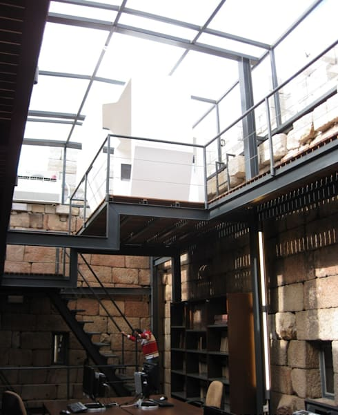 Recuperação do Castelo de Celorico da Beira 5: Casas  por ARKIVO