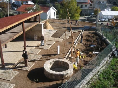 Casa do Mundo Rural de Prados 3: Casas rústicas por ARKIVO