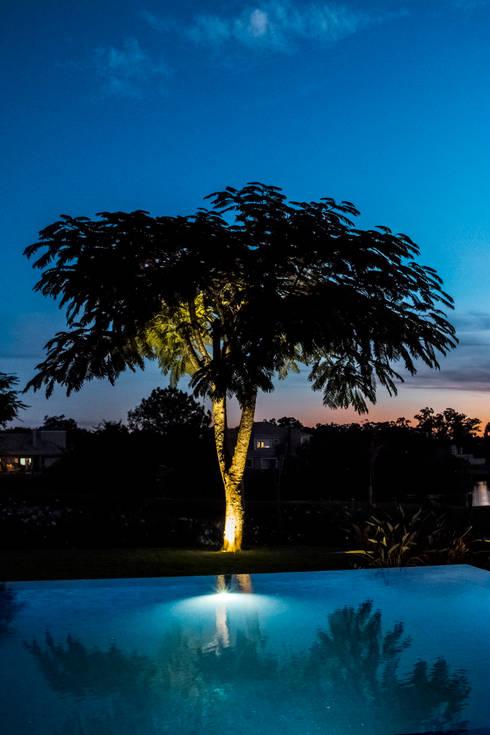 Conceitual: Jardins modernos por Loro Arquitetura e Paisagismo