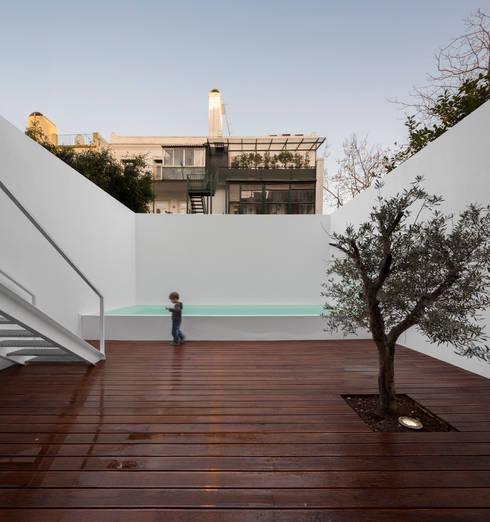 Terraços  por João Tiago Aguiar, arquitectos