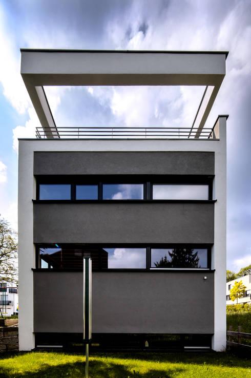 Doppelhaushälfte WI10  über dem Kessel :  Terrasse von Schiller Architektur BDA