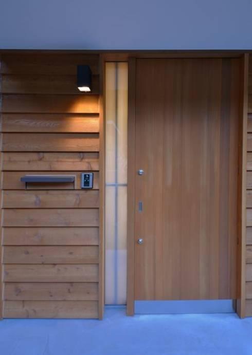 湖西の家: 岩田建築アトリエが手掛けた家です。