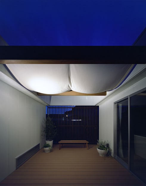 桐の家: 住工房一級建築士事務所が手掛けたベランダです。