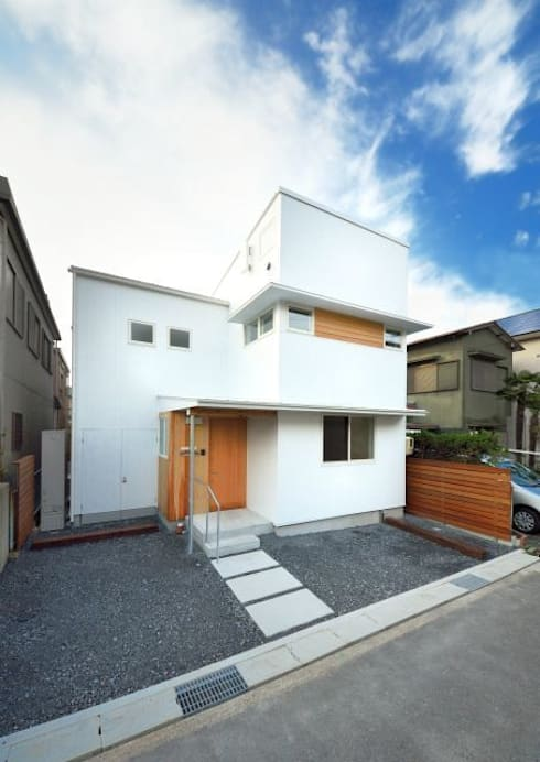 ユキイロノイエ: 岩田建築アトリエが手掛けた家です。