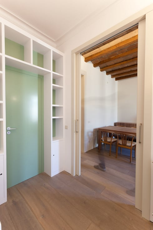 Piso Calle Princesa en Barcelona: Estudios y despachos de estilo  de 4+1 arquitectes