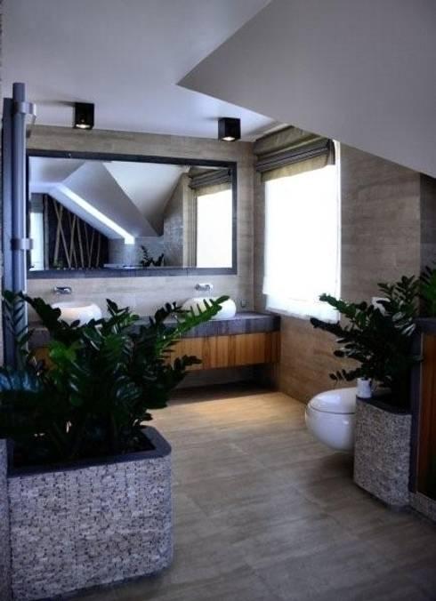 Domowe SPA.: styl , w kategorii Łazienka zaprojektowany przez CAROLINE'S DESIGN