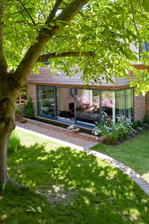 Projekty,  Domy zaprojektowane przez Gail Race Interiors