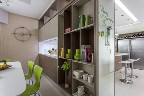 CASA BELGRANO: Cocinas de estilo moderno por GUTMAN+LEHRER ARQUITECTAS
