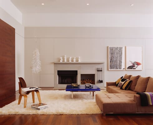 Meltzer Ames Loft: modern Living room by Specht Architects