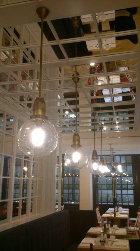 Lámpara Globo: Comedor de estilo  de Bimaxlight