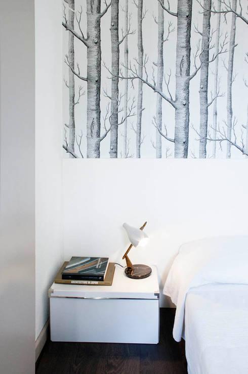 dettagli di arredo : Camera da letto in stile in stile Classico di marta novarini architetto
