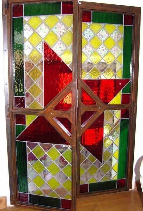 atelier du vitrail de monique copel aux roches de condrieu par atelier du vitrail monique copel. Black Bedroom Furniture Sets. Home Design Ideas