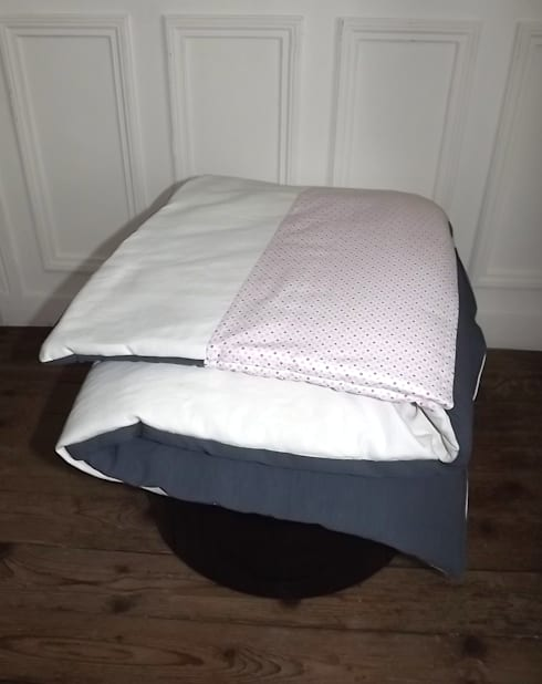 edredon en lin couleur gris blanc et pois roses par l 39 atelier moh homify. Black Bedroom Furniture Sets. Home Design Ideas