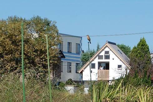 牛山の小さな家: 永井政光建築設計事務所が手掛けた家です。