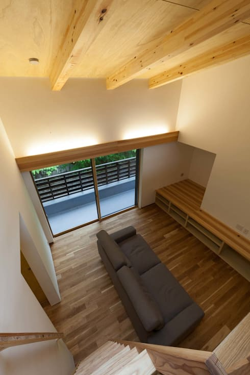ห้องนั่งเล่น by 光風舎1級建築士事務所