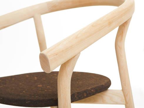 DORA chair (detail view of the standard option): Casa  por DAM