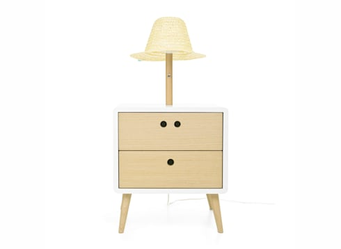 NEL bedside table with lamp (front view of the standard option): Casa  por DAM