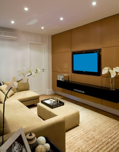 Media room by GUSTAVO GARCIA ARQUITETURA E DESIGN