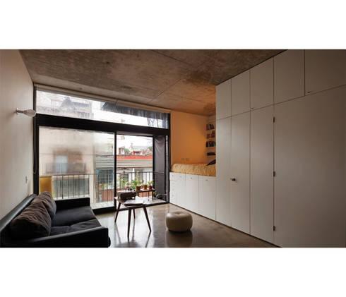 Quintana 4598: Livings de estilo moderno por IR arquitectura