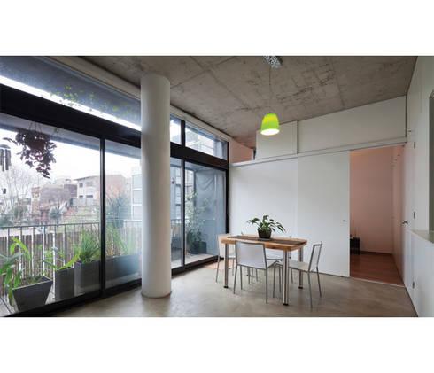 Quintana 4598: Comedores de estilo moderno por IR arquitectura