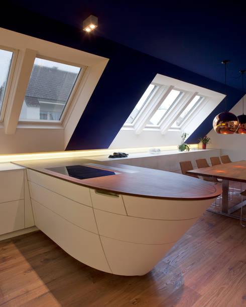 Wohnung D.:  Küche von schröckenfuchs∞architektur