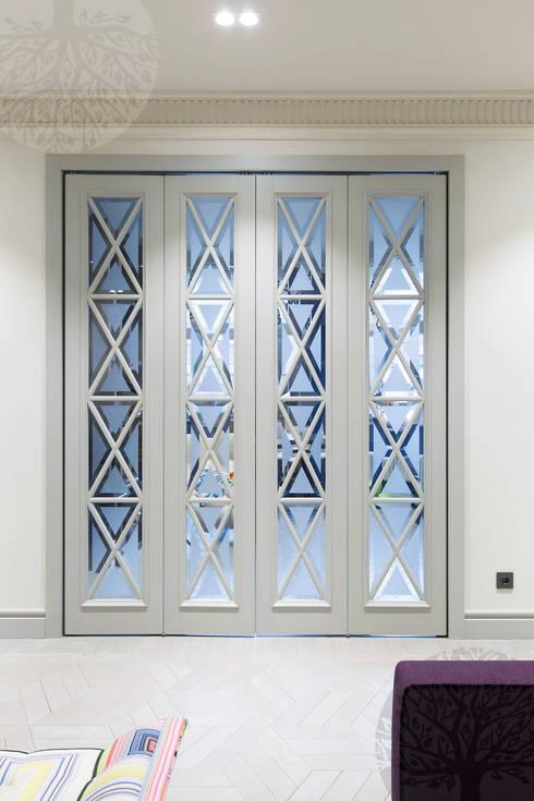 Puertas y ventanas de estilo  de Lesomodul
