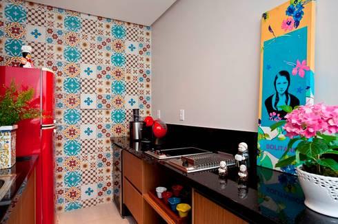 Espaço Gournet: Cozinha  por Escritório de Arquitetura e Interiores Janete Chaoui